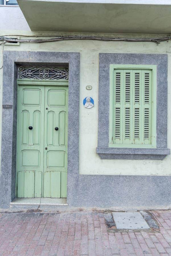 Entrada en una calle en Bugibba Malta imagen de archivo