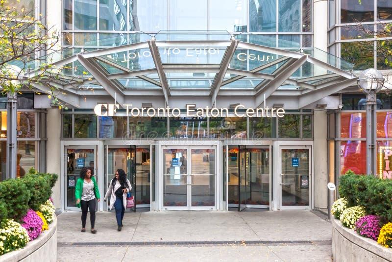 Entrada a la alameda del centro de Eaton en Toronto, Canadá foto de archivo libre de regalías
