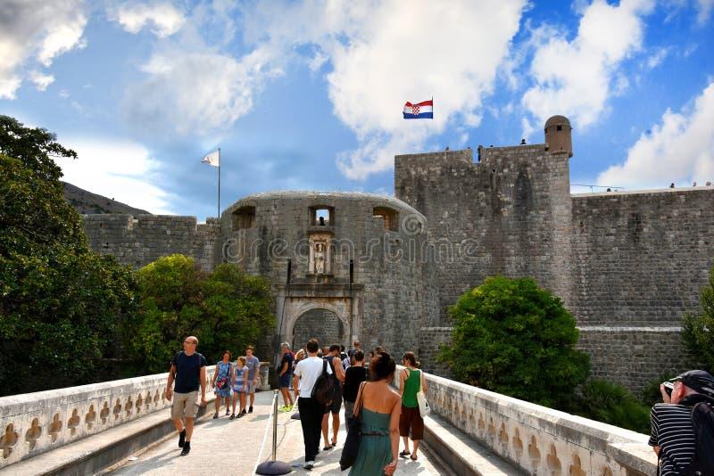 Entrada a la ciudad vieja de Dubrovnik imágenes de archivo libres de regalías