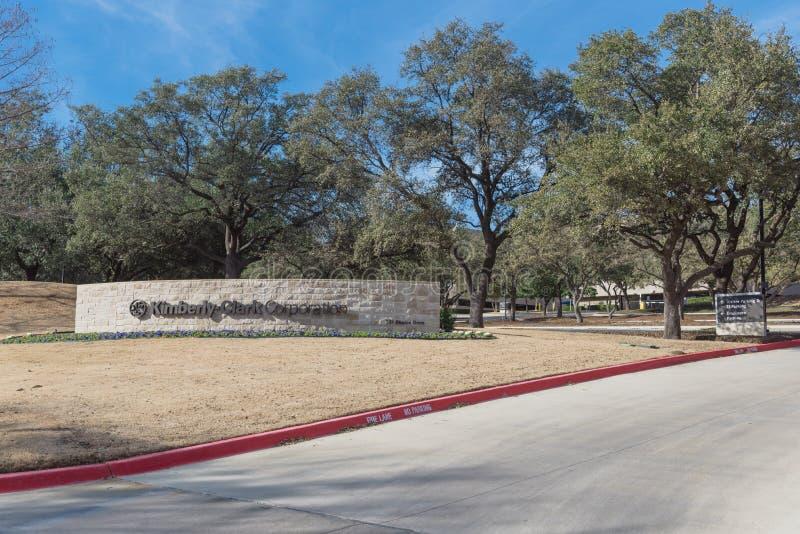 Entrada a las jefaturas del mundo de Kimberly-Clark en Irving, Tex fotografía de archivo