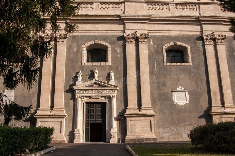 Entrada lateral à catedral Santa Agatha, Catania, Sicília fotos de stock