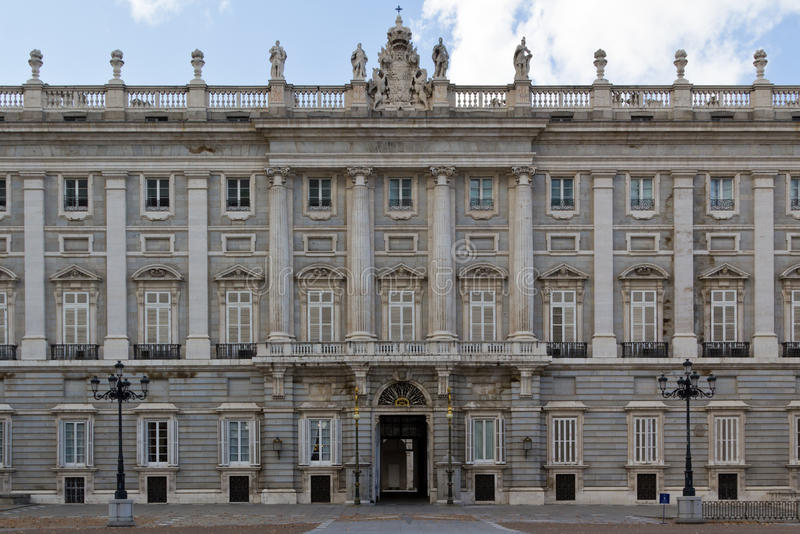 Entrada lateral de Palacio real fotos de stock royalty free
