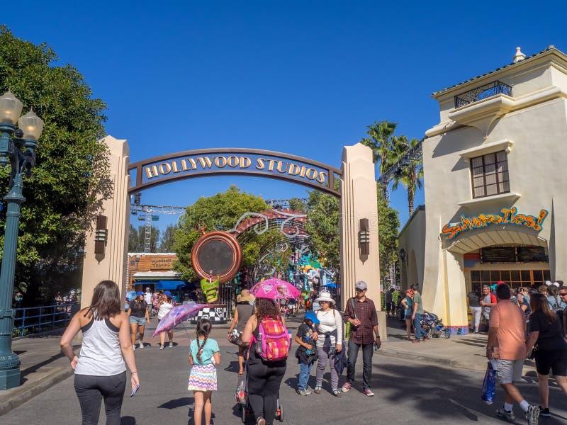 Entrada a los estudios de Hollywood en el parque de la aventura de Disney California imagen de archivo