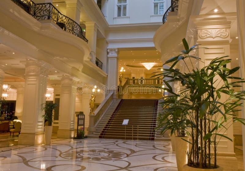 Entrada luxuoso do hotel imagem de stock