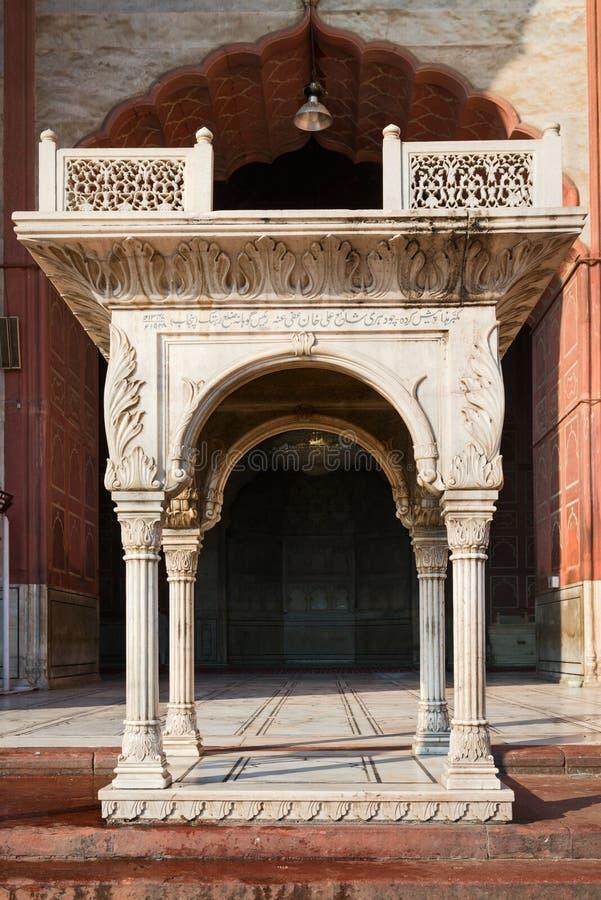 Entrada na mesquita do Jama Masjid, Dehli, India imagem de stock royalty free