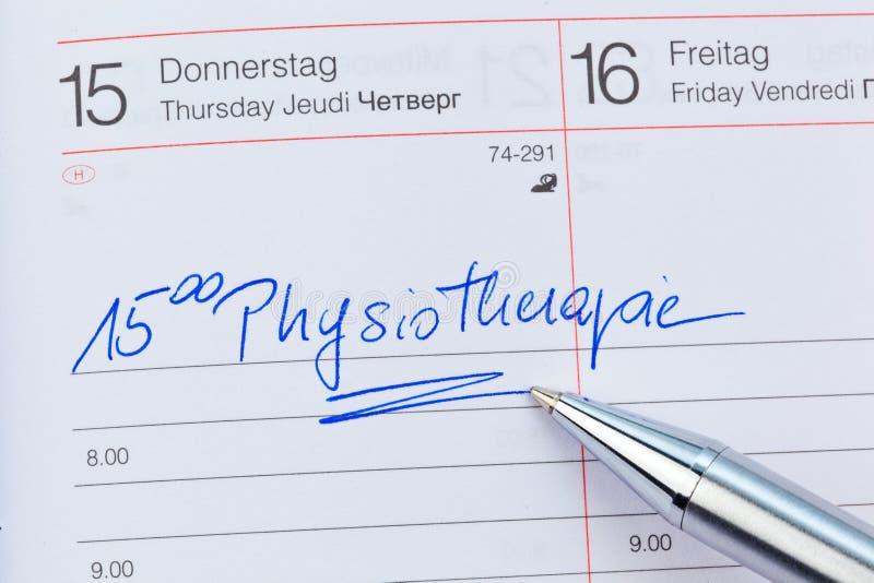 Entrada no calendário: fisioterapia fotografia de stock