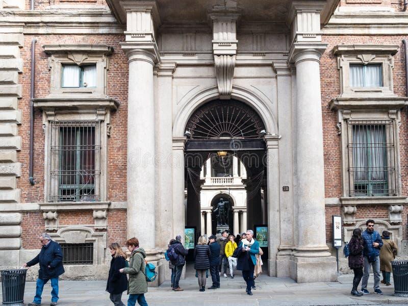 Entrada a Palazzo Brera na cidade de Milão imagem de stock