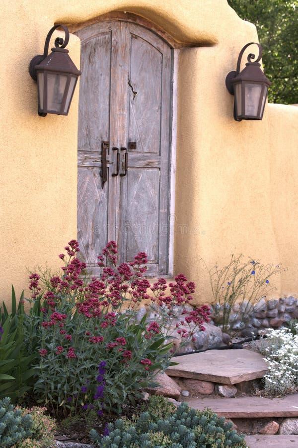 Entrada perto de Canyon Road em Santa Fe imagens de stock royalty free