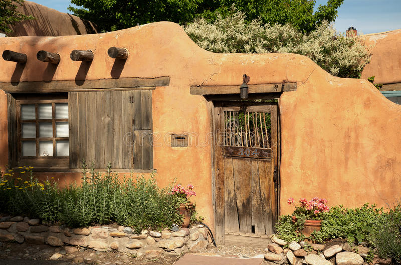 Entrada perto de Canyon Road em Santa Fe fotos de stock royalty free