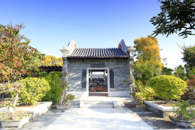 Entrada principal de la casa clásica china, adobe rgb imagenes de archivo