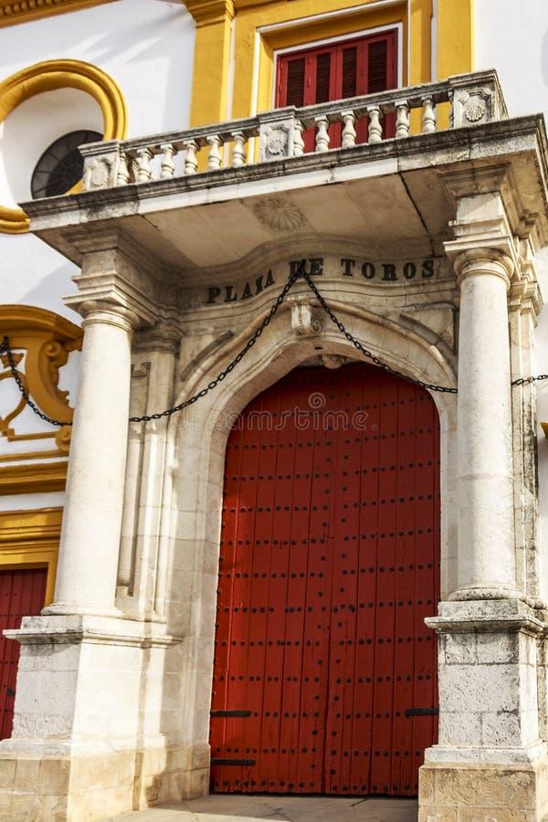 Entrada principal de Plaza de Toros de Sevilla foto de archivo libre de regalías
