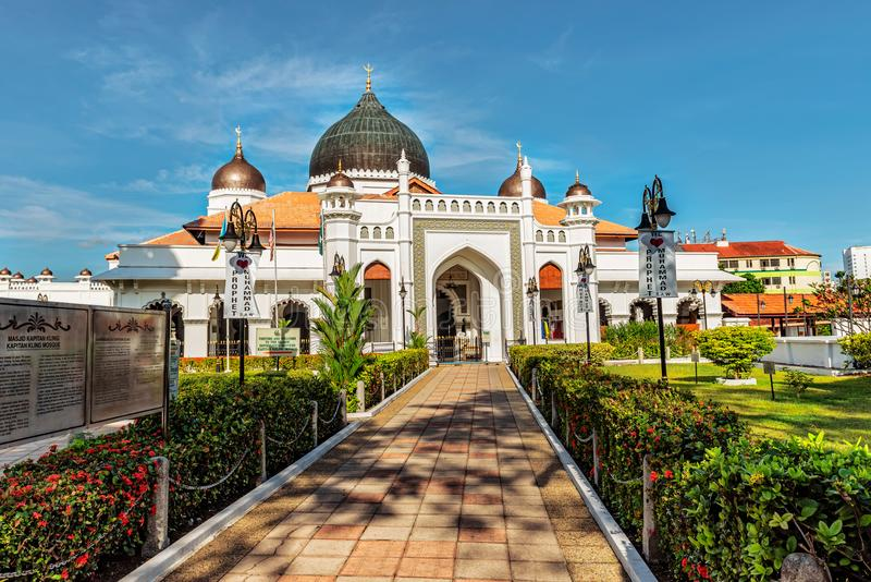 Entrada principal a la mezquita de Kapitan Kling la mezquita más vieja de Penan imágenes de archivo libres de regalías