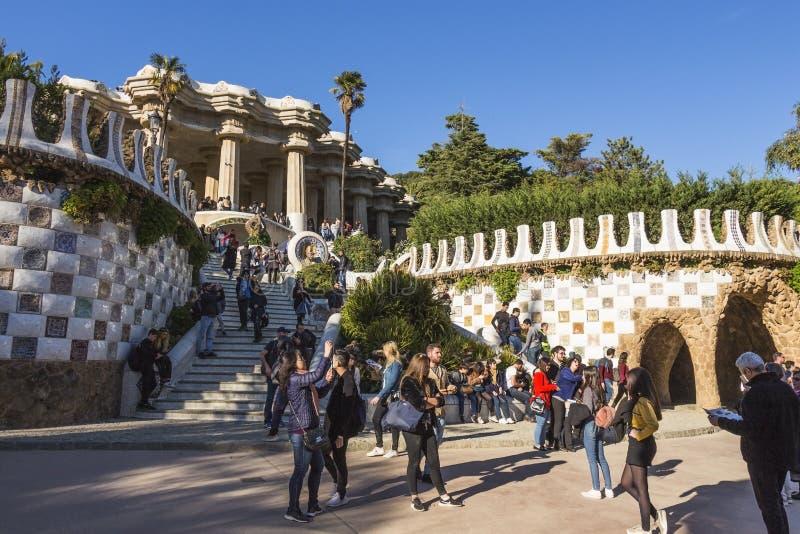 Entrada principal para parquear Guell Fue construido construido a partir de 1900 a 1914 por Antoni Gaudi imagen de archivo libre de regalías