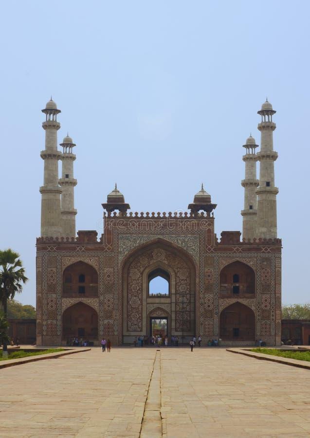 Entrada a Sikandra, tumba de Akbar imagen de archivo