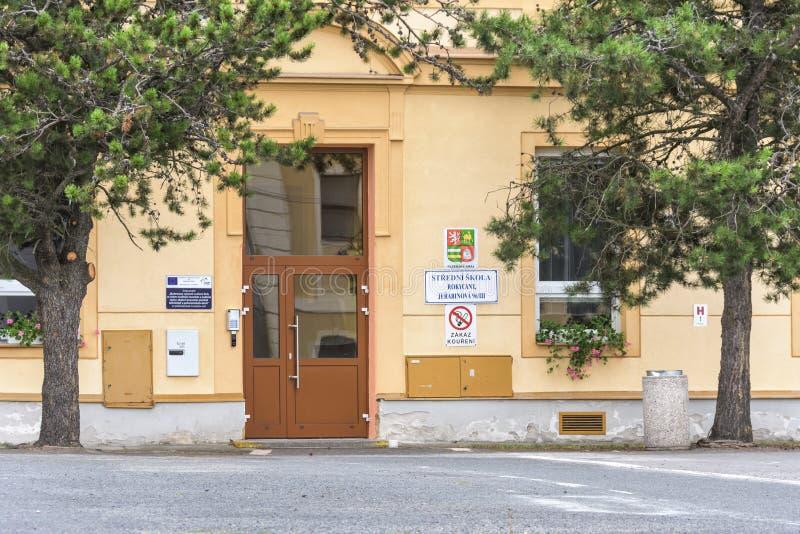 Entrada a Stredni Skola y a Rokycany fotografía de archivo libre de regalías