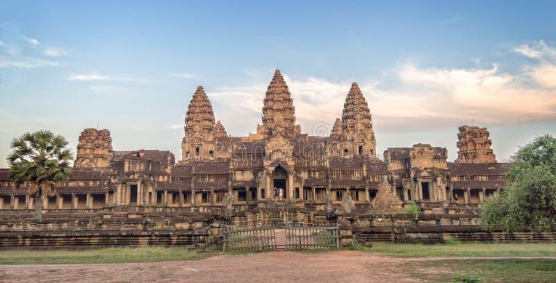 Entrada trasera del templo de Angkor Wat, representante Camboya de Siem fotografía de archivo libre de regalías