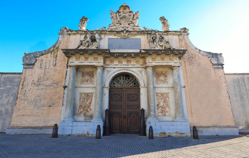 A entrada triunfal do arsenal de Toulon -1738, França fotos de stock