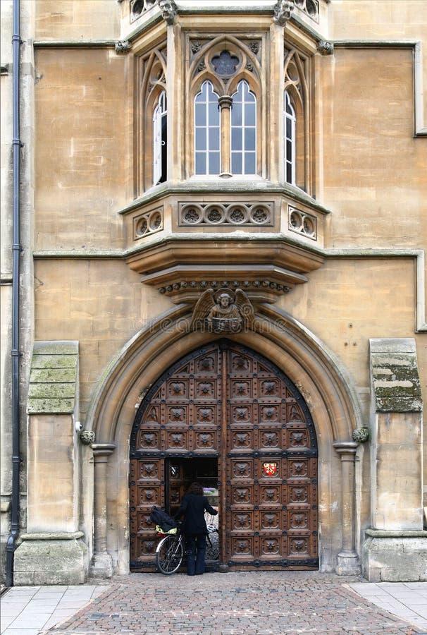 Entrada velha da faculdade em Oxford fotos de stock royalty free