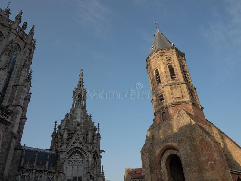 Entrambe le torri della chiesa di Paul e di St Peter e della torre di St Peter fotografia stock libera da diritti