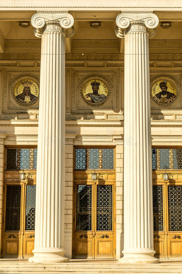 Download Entrance With Columns Royalty Free Stock Photo - Image: 25794725