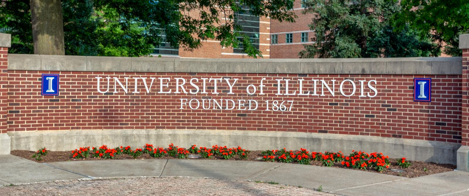 Entrance Sign to Univ ersity of Illinois. URBANA, IL/USA - JUNE 2, 2018. Entrance sign to the University of Illinois at Urbana–Champaign, a public stock photo