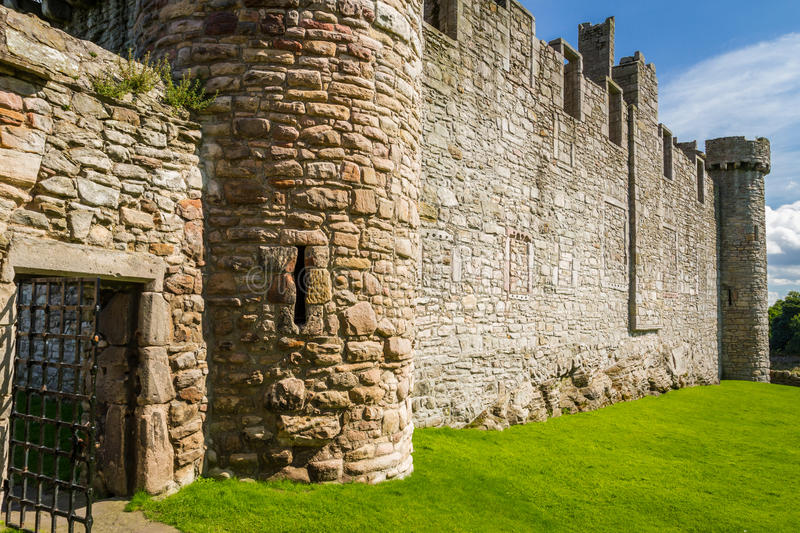 Download The Entrance To The Medieval Castle Of Stone Stock Image - Image: 26406751