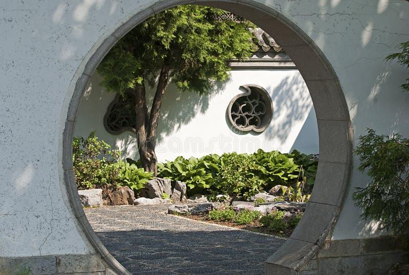 Entrata ad un giardino cinese fotografia stock libera da diritti