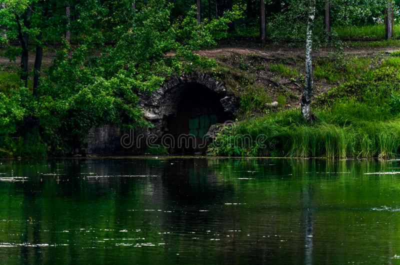 Entrata al bunker fotografie stock