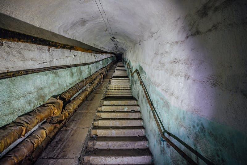 Ospedale In Sotterraneo In Un Grande Bunker Sovietico ...