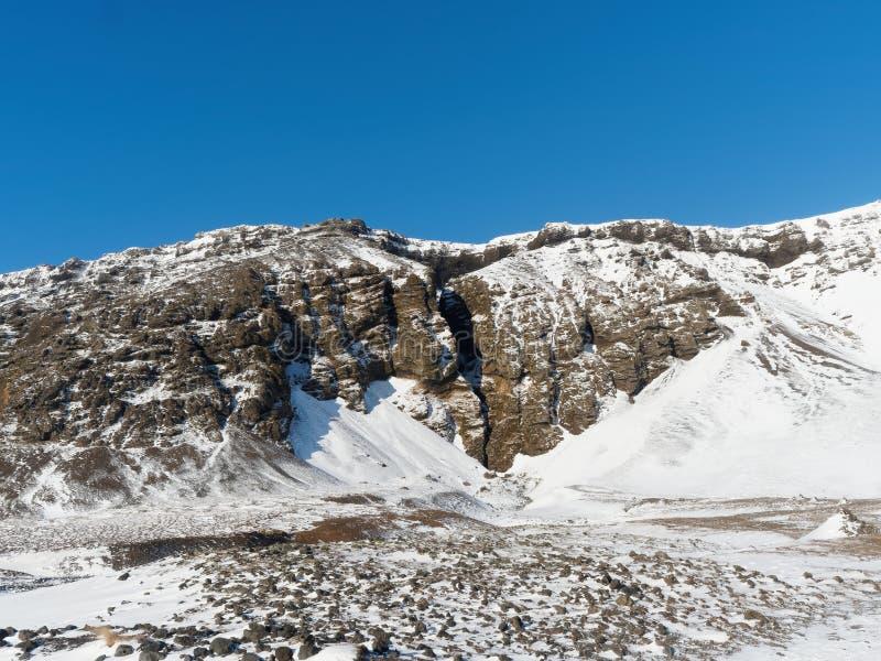Entrata al canyon di Raudfeldsgja, penisola di Snaefellsness, Islanda ad ovest nell'inverno fotografia stock