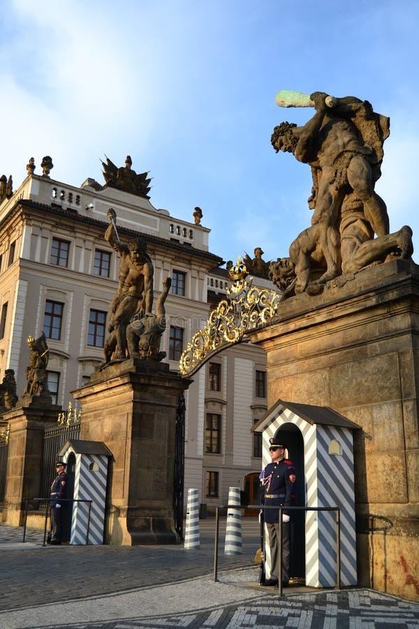 Entrata al castello di Praga fotografie stock libere da diritti
