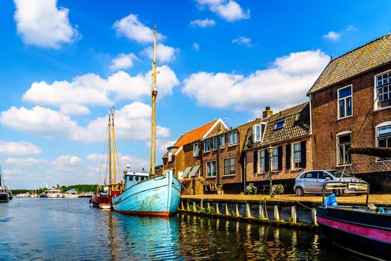 Entrata al porto del paesino di pescatori storico di Bunschoten-Spakenburg fotografia stock
