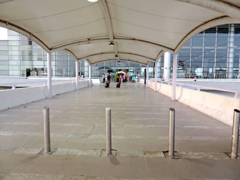 Entrata all'aeroporto internazionale di Chandigarh, India fotografia stock libera da diritti