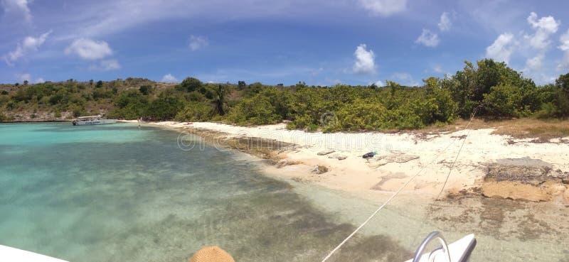 Entrata all'isola di uccello Antigua immagine stock
