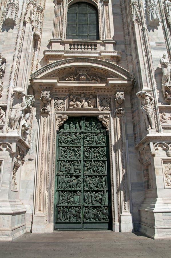 Entrata alla cattedrale fotografie stock libere da diritti