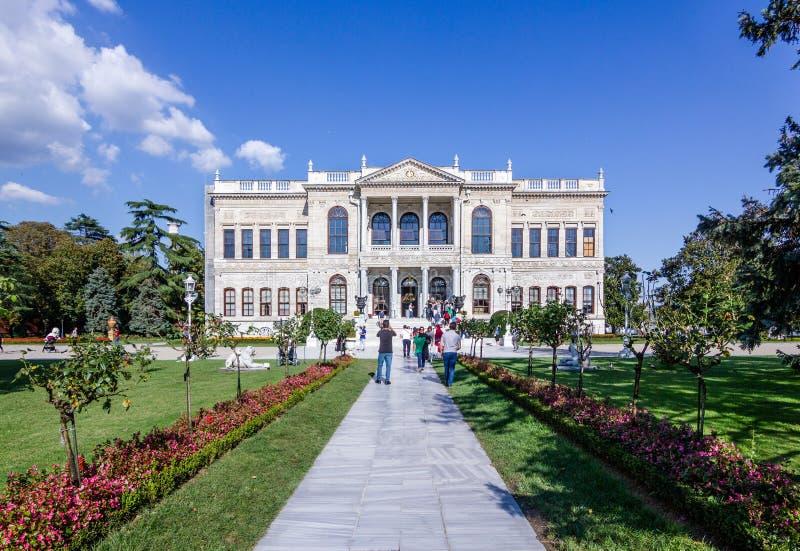 Entrata del palazzo di Dolmabahce, Costantinopoli, Turchia fotografie stock libere da diritti
