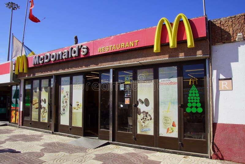 Entrata del ristorante di mcdonald fotografie stock libere da diritti
