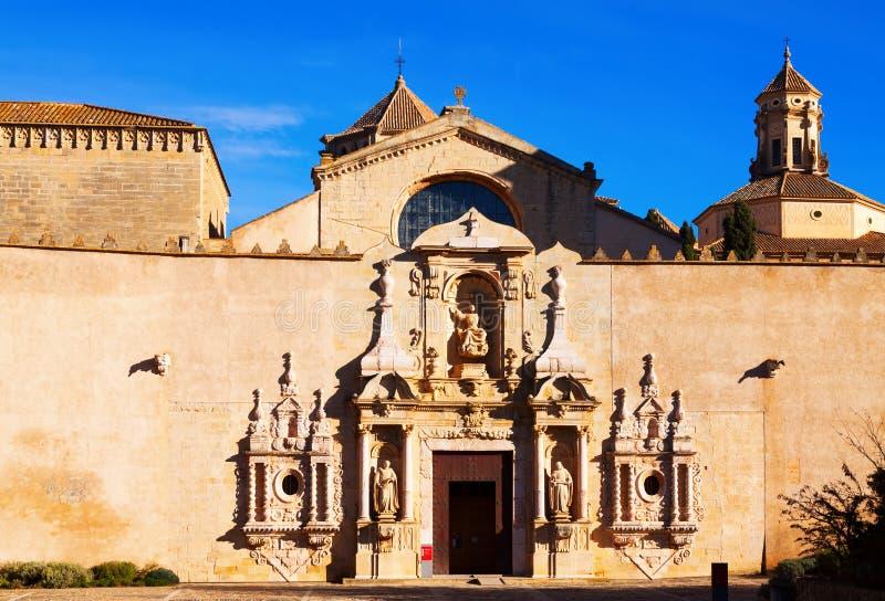 Entrata dell'abbazia reale di Santa Maria de Poblet fotografia stock