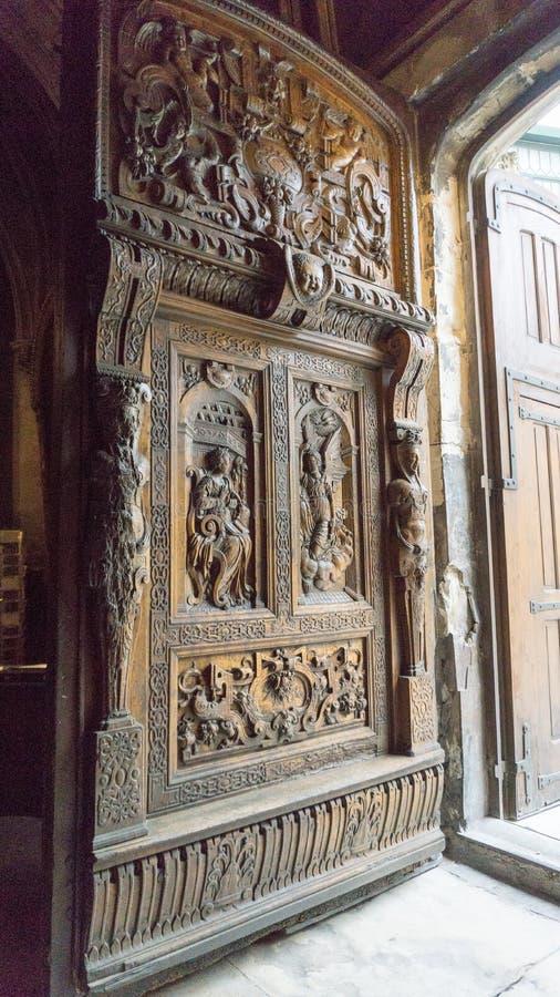 Entrata della chiesa a Avignone Francia fotografia stock