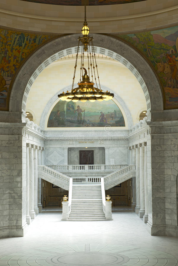 Entrata della Corte suprema del Campidoglio dello stato dell'Utah fotografia stock libera da diritti