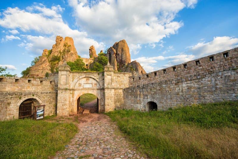 Entrata della fortezza di Belogradchik immagine stock libera da diritti