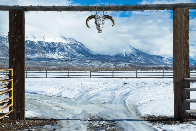 Entrata occidentale del ranch immagini stock libere da diritti