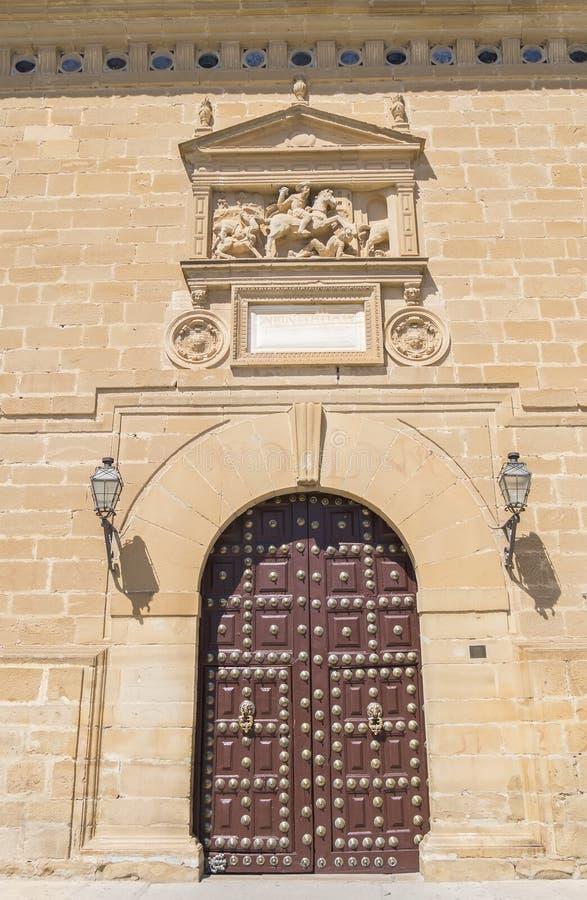 Entrata principale dell'ospedale de Santiago, Ubeda, Jaen, Spagna immagine stock