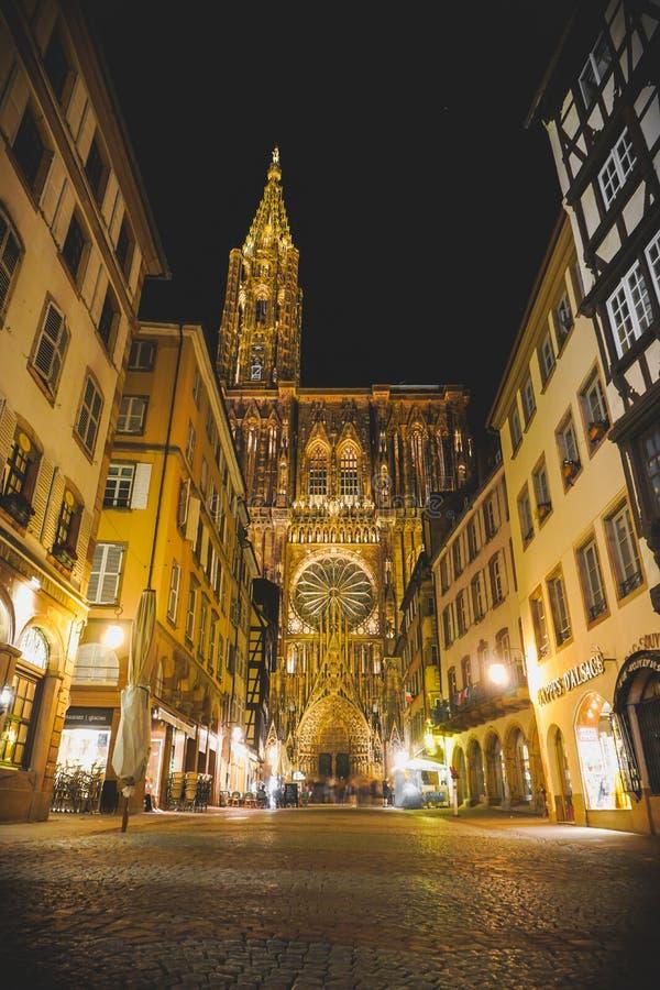 Entrata principale della cattedrale di Strasburgo immagini stock