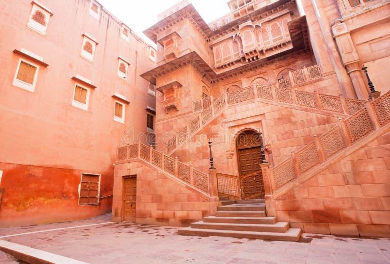 Entrata principale della fortificazione del XVI secolo di Junagarh immagini stock