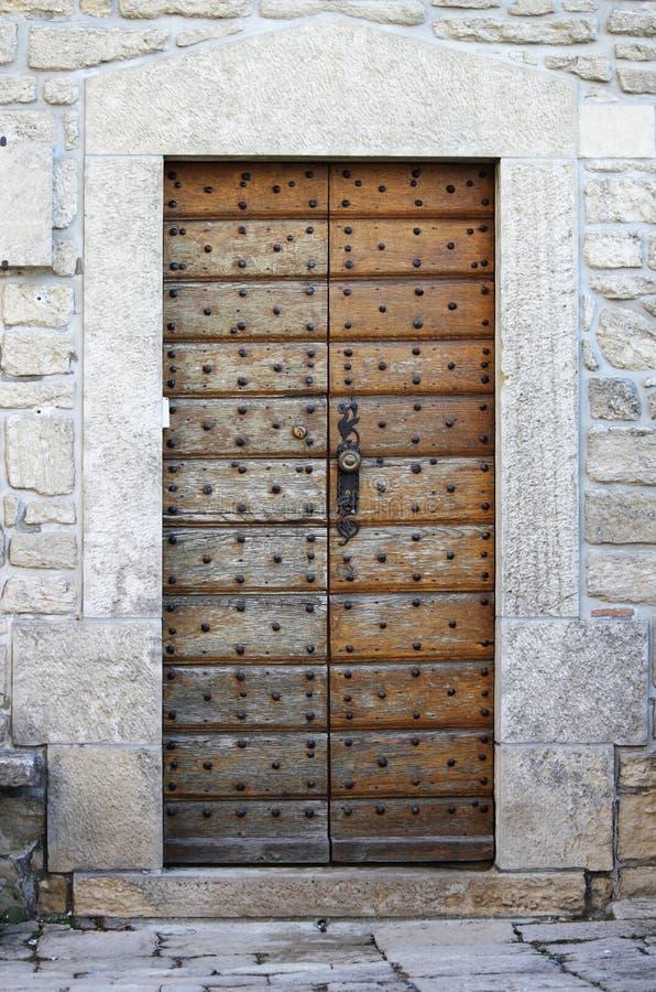 Entrata principale medievale quadrata fotografia stock libera da diritti
