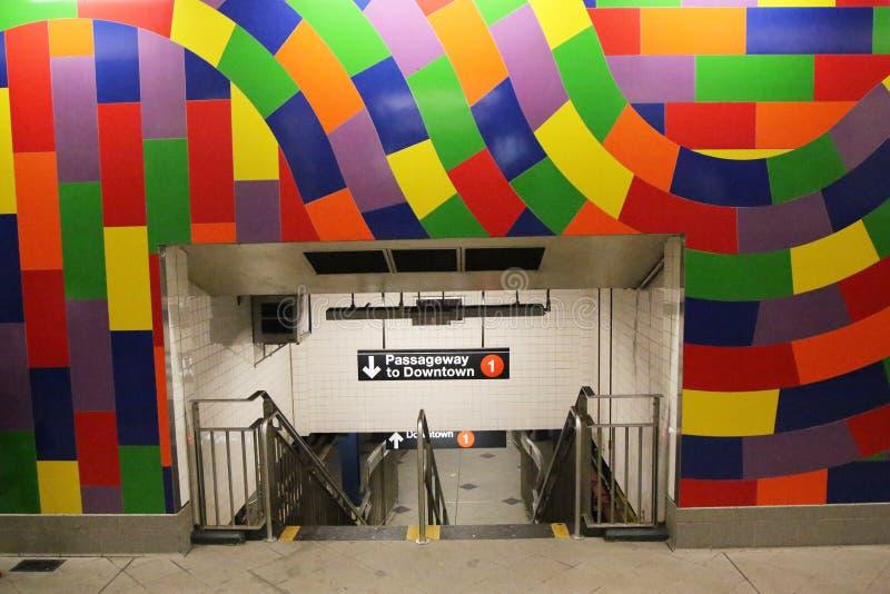 Entrata variopinta 59 alla st - Columbus Circle Subway Station a New York immagine stock