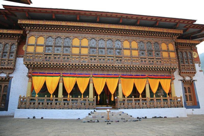 Entrata variopinta del tempio buddista nel Bhutan fotografia stock libera da diritti