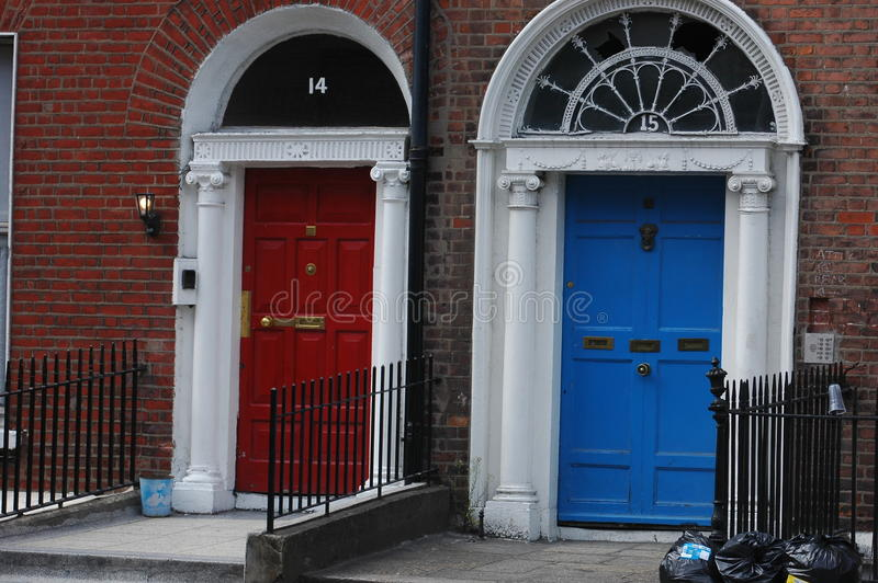 Entrate georgiane tipiche a Dublino fotografia stock