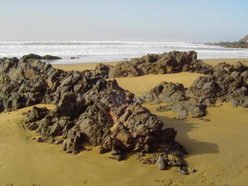 Entre Agadir y Sidi Ifni ( del salvaje di Playa; Marruecos) fotografia stock